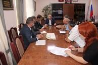 Министр имущественных и земельных отношений КЧР Дмитрий Бугаев встретился с главой администрации Малокарачаевского муниципального района