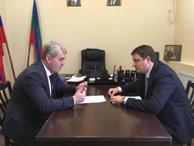 Министр имущественных и земельных отношений КЧР Дмитрий Бугаев встретился с Главой Администрации района Энвером Керейтовым